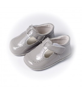 Sandalia charol gris claro para bebé de Leon Shoes