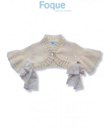 bf7f249c6 Bolero de ceremonia beige para bebé de Foque - Adriels Moda Infantil