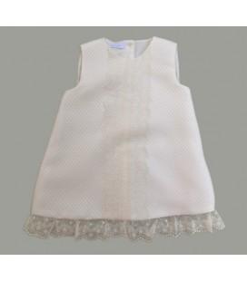 Vestido beige para bebé de Artesanía Granlei