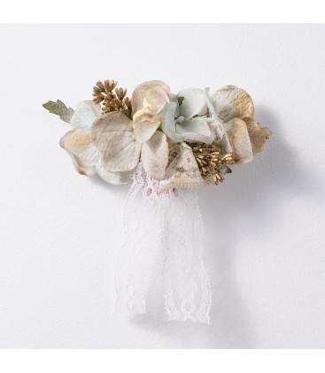 Prendido de flores para primera comunión