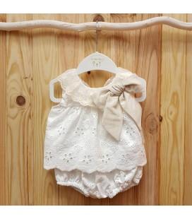 Valentina Bebés - Conjunto tejido bordado marfil y arena