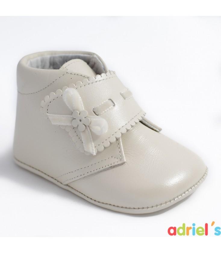 3b95f424372 Bota de bebé nacarado beige de Leon Shoes - Adriels Moda Infantil
