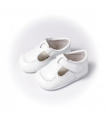 Sandalia charol blanco para bebé de Leon Shoes