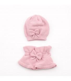 Conjunto gorro y cuello de punto rosa para niña