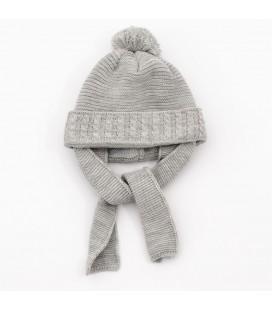 Gorro gris para bebé con bufanda incorporada