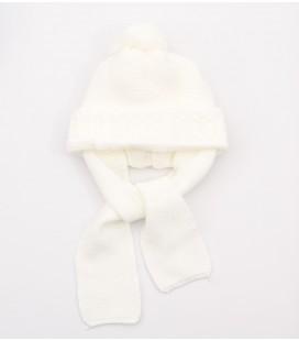 Gorro marfil para bebé con bufanda incorporada
