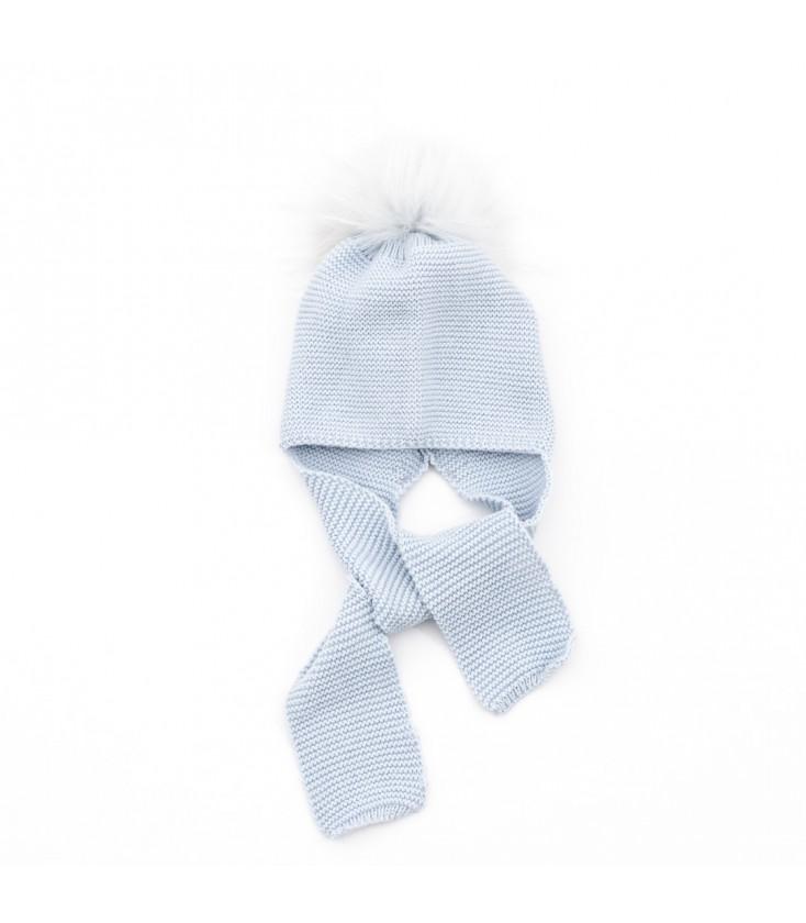 e79e933fba47b Gorro de punto azul con pompón de pelo natural para bebé - Adriels ...
