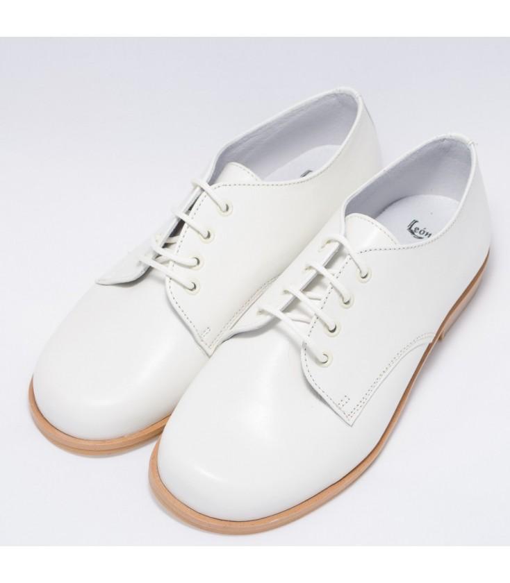 9c9c2f7d Zapato de comunión beige para niño de Leon Shoes - Adriels Moda Infantil