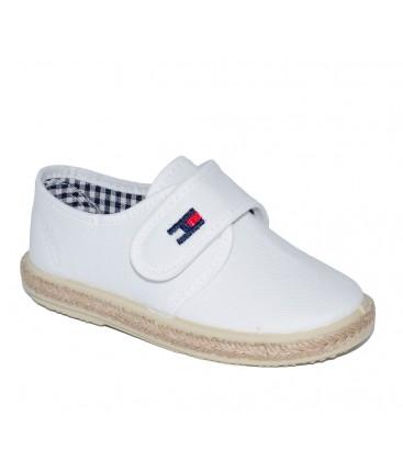 3c44029b2a0 Zapato piqué para niño en color blanco de Vul-Peques