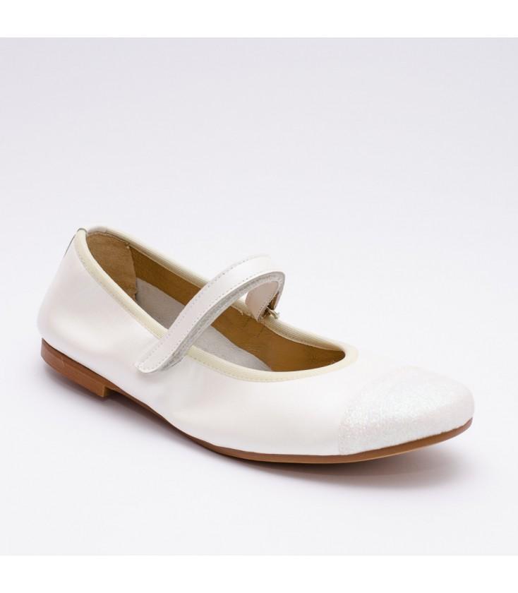 0434f677f Zapatos de piel para niña de Confetti - Blanco - Adriels Moda Infantil